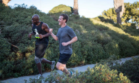 Facebook-baas Mark Zuckerburg behaalt hardloopdoel, flirt met triathlon
