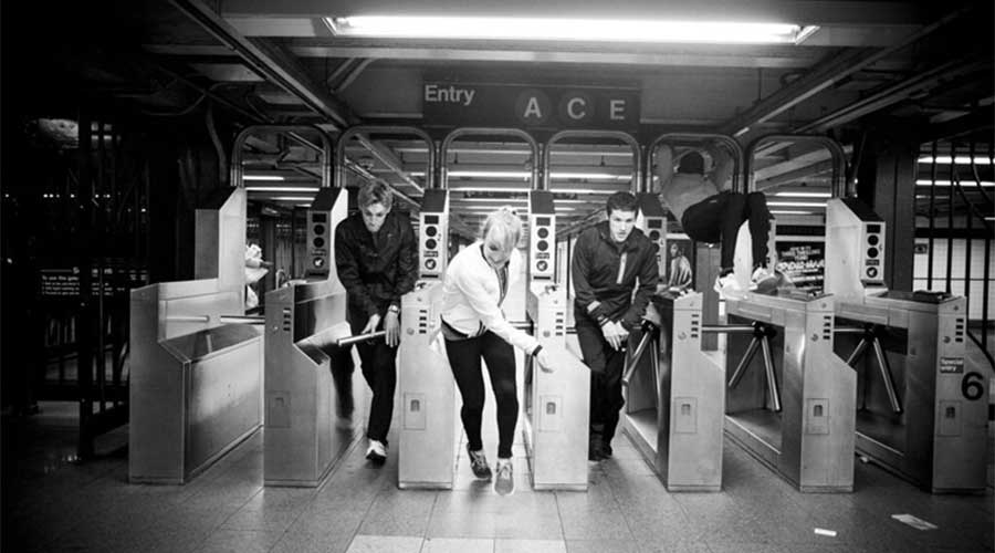 Chase the subway: mens tegen machine